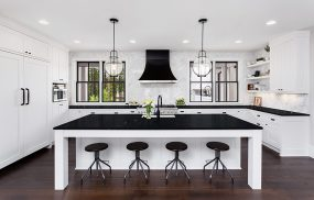Kitchen-Pictures---Black-Crystal-